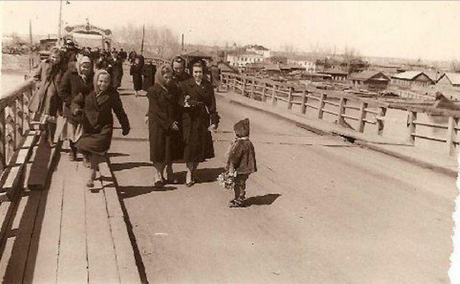 Гигант над Бией: история строительства коммунального моста в Бийске
