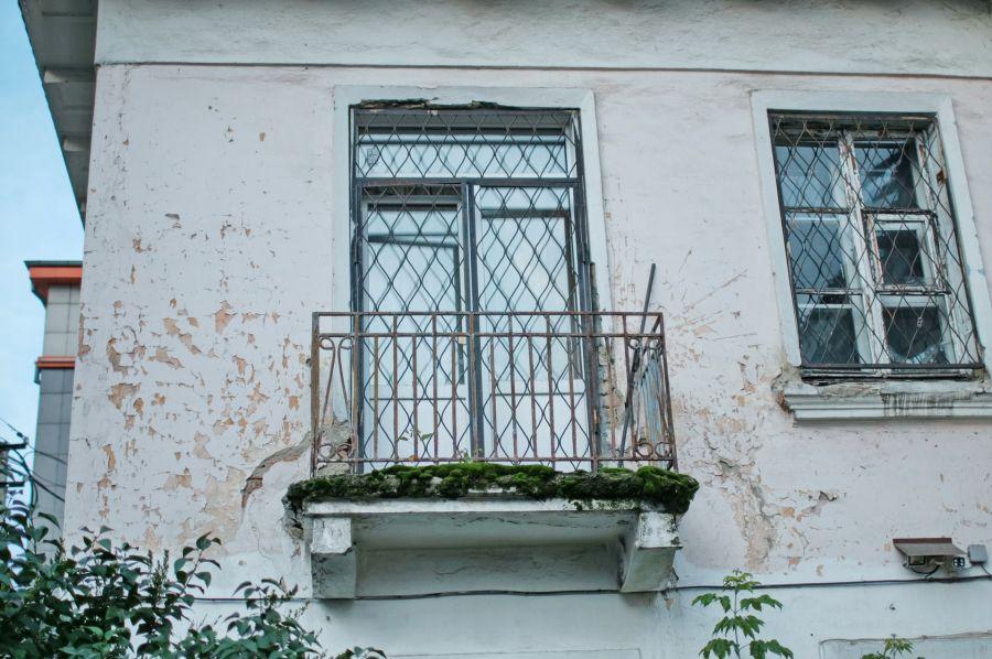 Шоу за стеклом: тайная жизнь бийских балконов