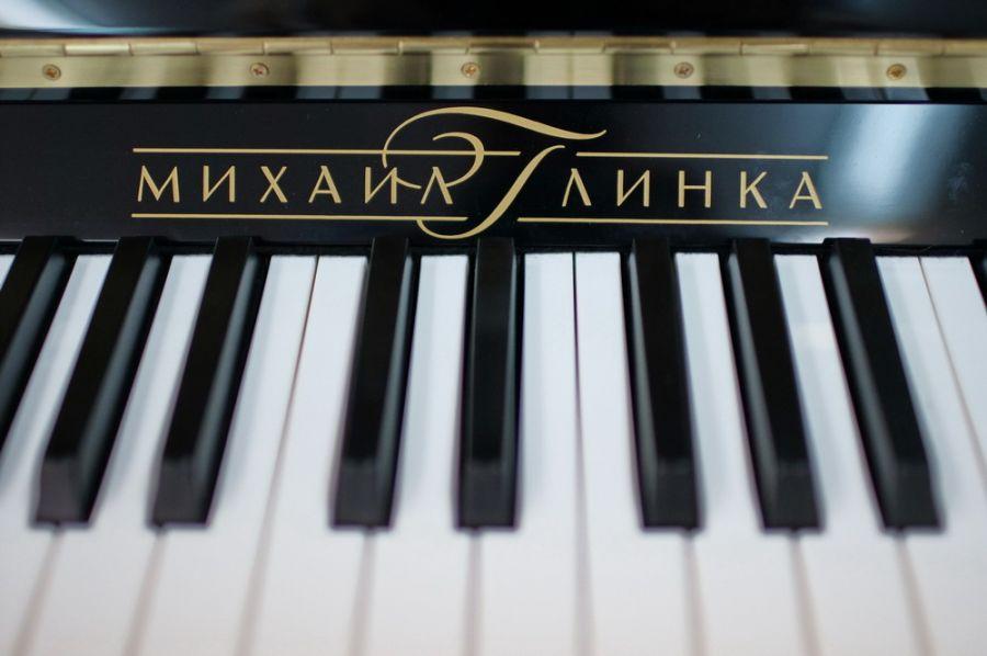Новое фортепиано получила накануне учебного года бийская детская школа искусств