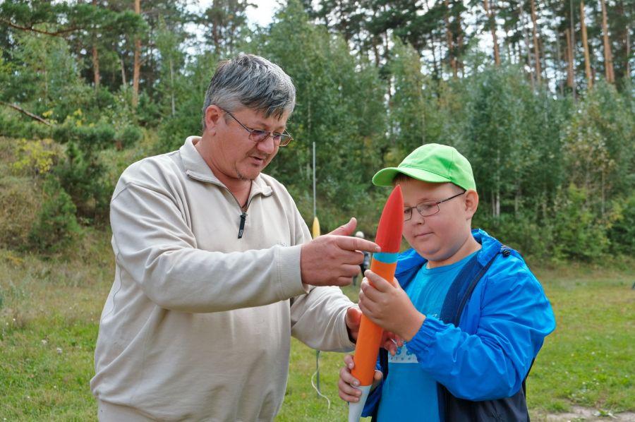 Праздничные соревнования по ракетомодельному спорту прошли в Бийске
