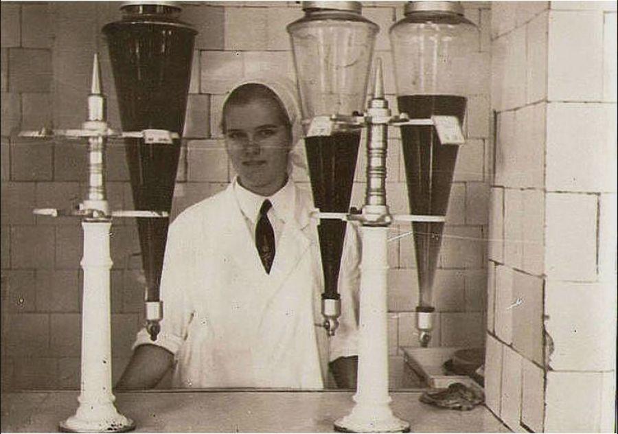 Те самые знаменитые колбы с натуральными соками, которые были практически в каждом кафетерии.