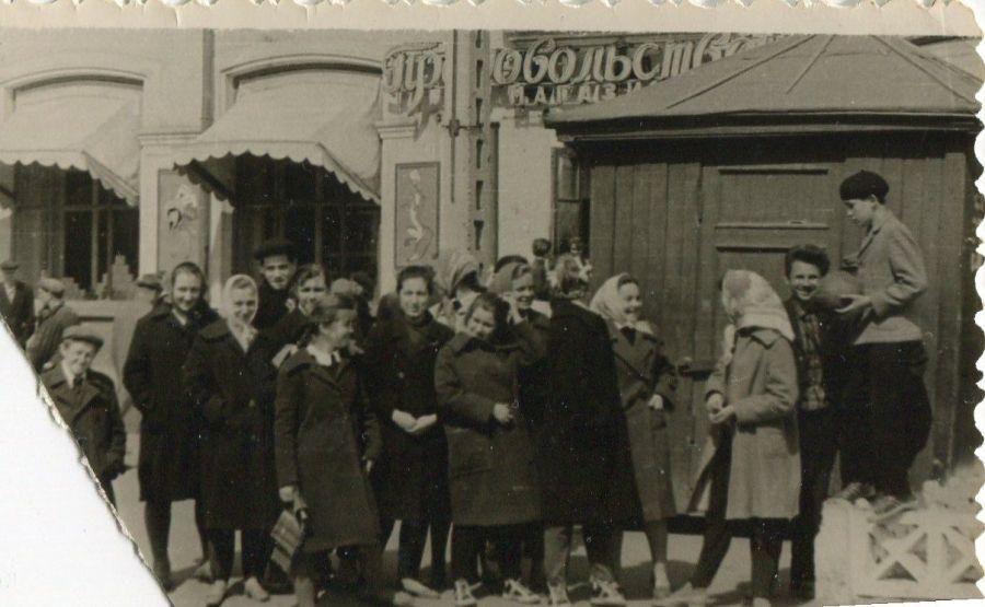 Магазин «Продукты» на Первом участке, сейчас здесь «Мария-Ра»