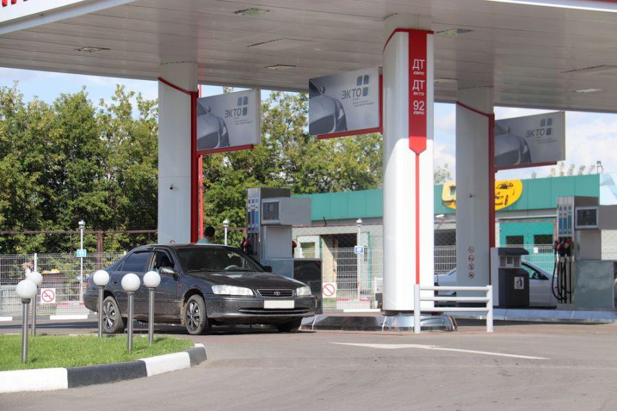 Росстандарт: каждая пятая АЗС в России недоливает топливо