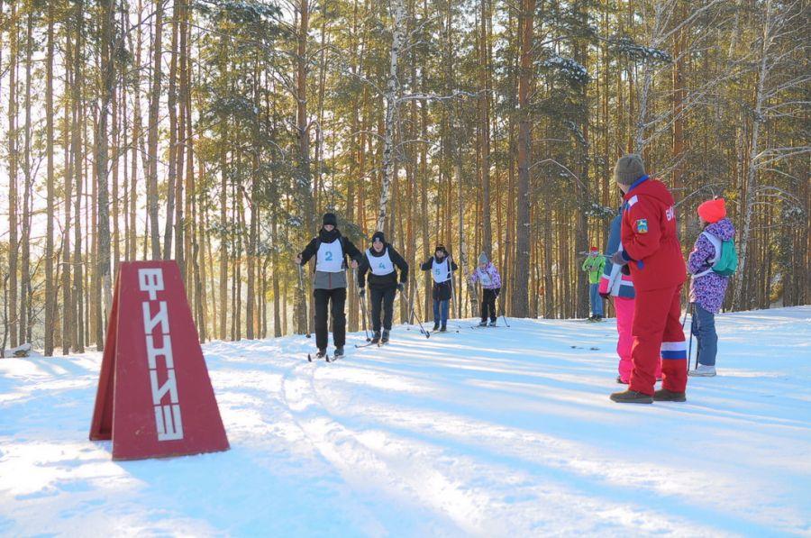 В лесу на АБ часто проходят соревнования спортсменов.