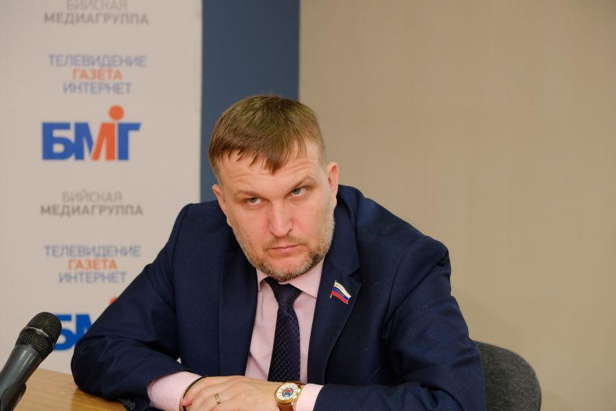 Руслан Курасов.