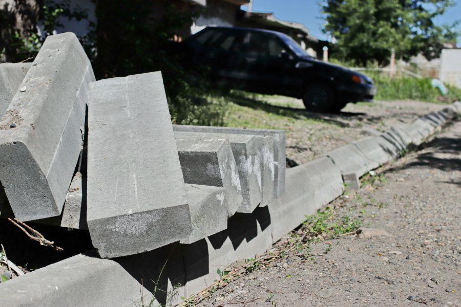 Суд разрешил продлить экспертизу дворов-недостроев в Бийске