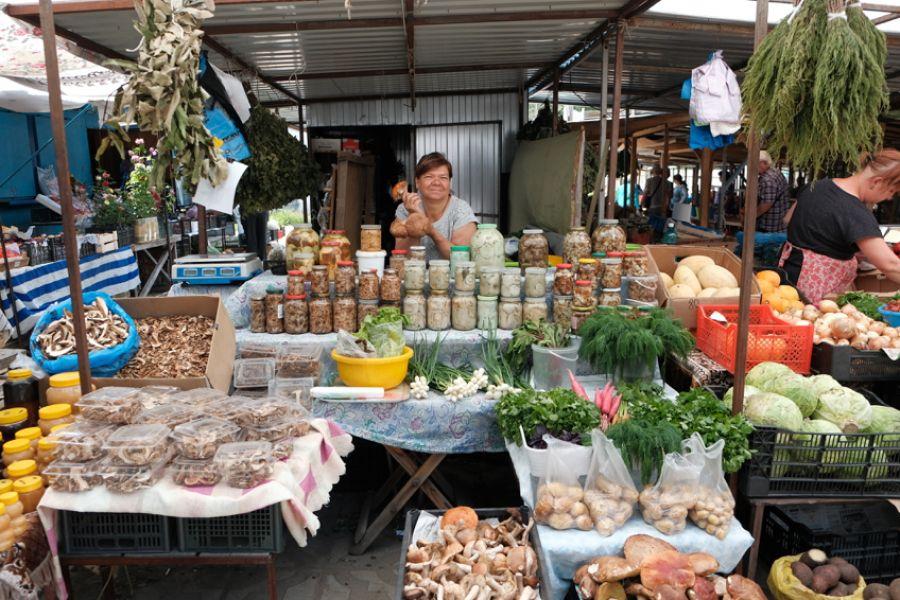 Ешьте свое: жителям Алтайского края рекомендовали только местные фрукты и овощи