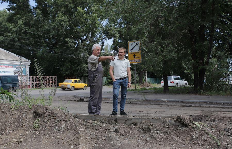 Зайдите с тыла: ремонт сквера Нагорный в Бийске подходит к завершению