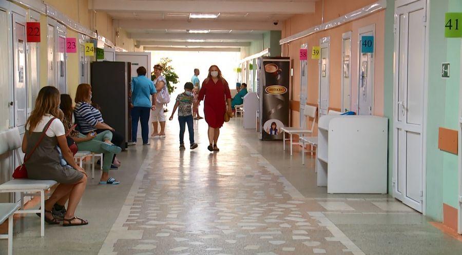 Кто в Бийске приходит на вызовы к детям с коронавирусом