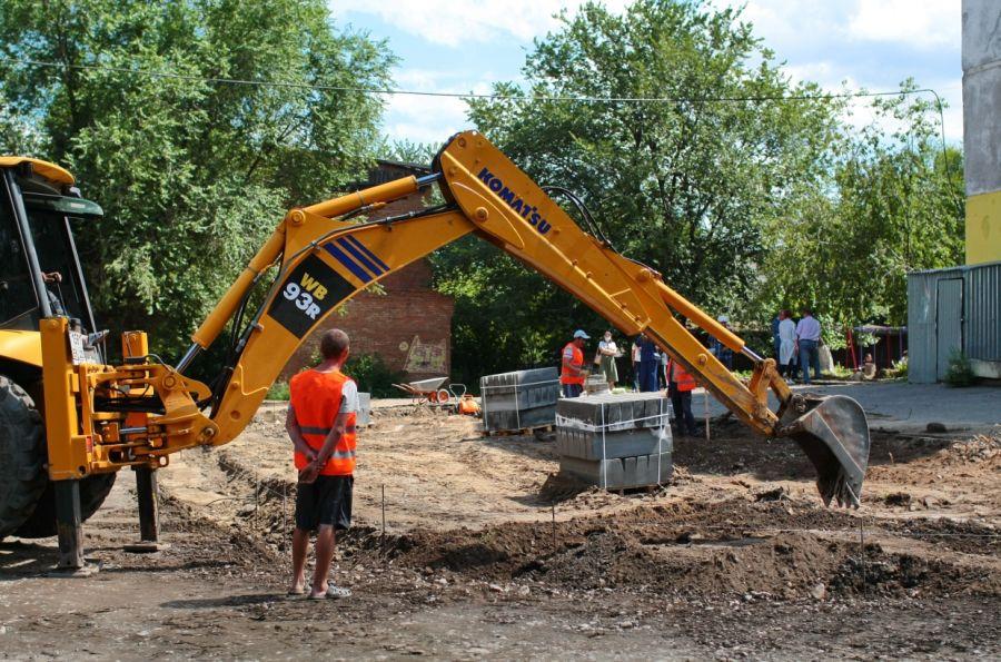 В Бийске приступили к ремонту дворов-второгодников
