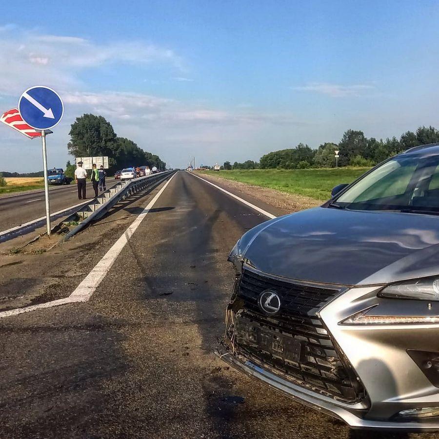 Водитель и девочка пострадали в ДТП на объездной дороге вокруг Бийска