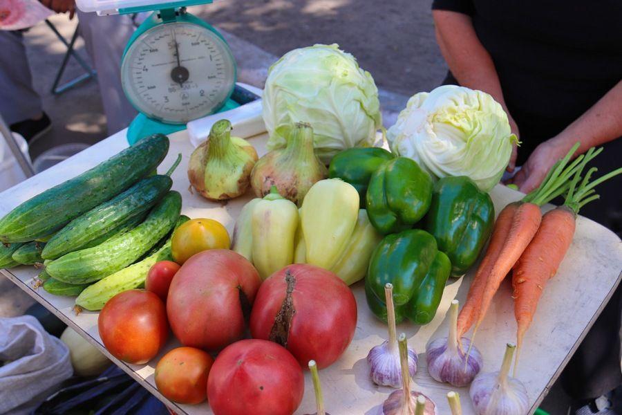 Время для заготовок: на бийских рынках появился богатый ассортимент овощей