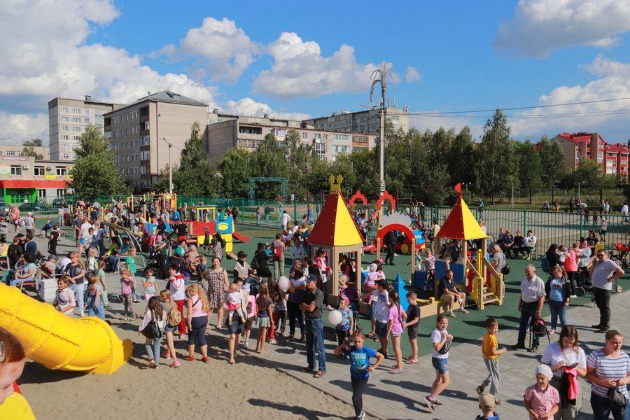 В день открытия площадка была переполнена детьми