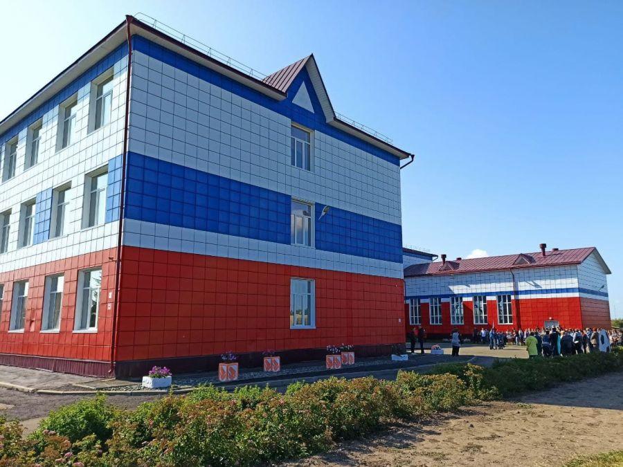 Губернатор Алтайского края встретил День знаний в сельской школе
