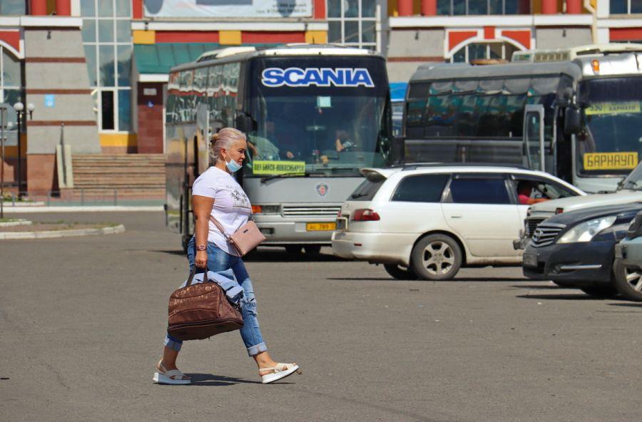 Выбирают заграницу: куда чаще всего переезжают пенсионеры Алтайского края