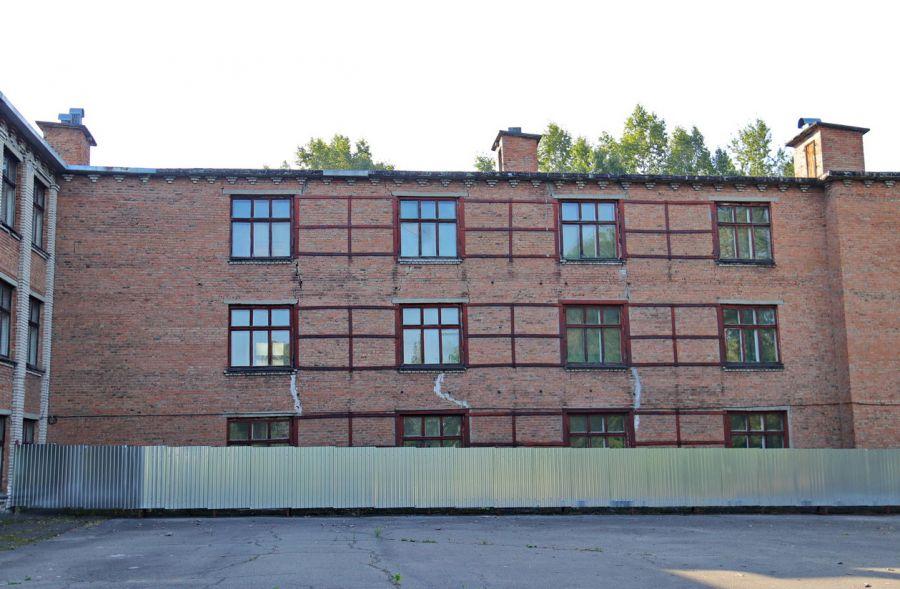 В Бийске приступили к демонтажу здания школы №31