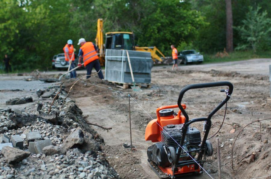 Трудовые резервы: бийчанам напомнили о личном участии в ремонте дворов