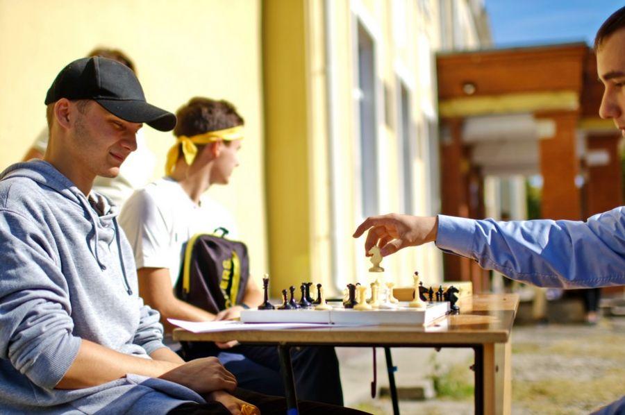 Осенние старты: в школах Бийска проходят мероприятия на свежем воздухе