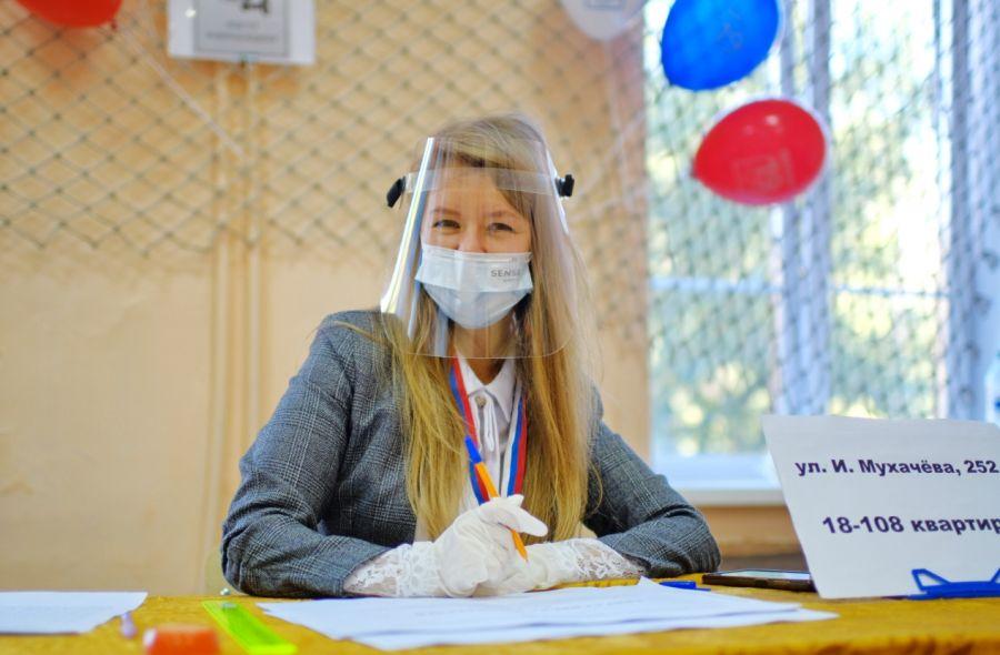 Бийчане идут на участки для голосования за депутатов в Госдуму и АКЗС