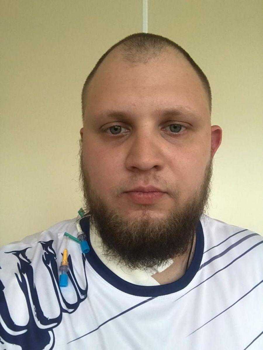Жителю Бийска Дмитрию Ульянову срочно требуется дорогостоящая операция