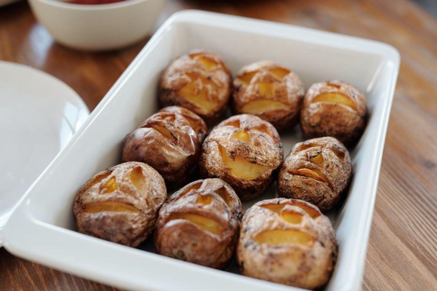Почти деликатес: топ вкусных блюд из картофеля, которые украсят ужин