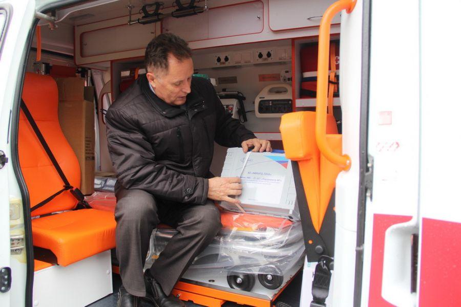 Бийск получил три новых автомобиля скорой помощи