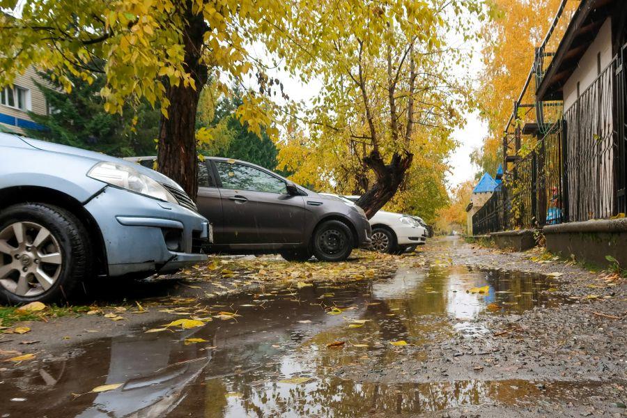 Тротуар по пер.Дружный в дождь и грязь становится непроходимым